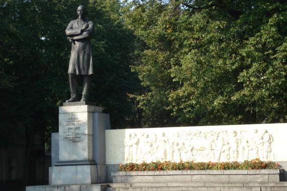 Поставить памятник ярославль памятники тверь цены к ним